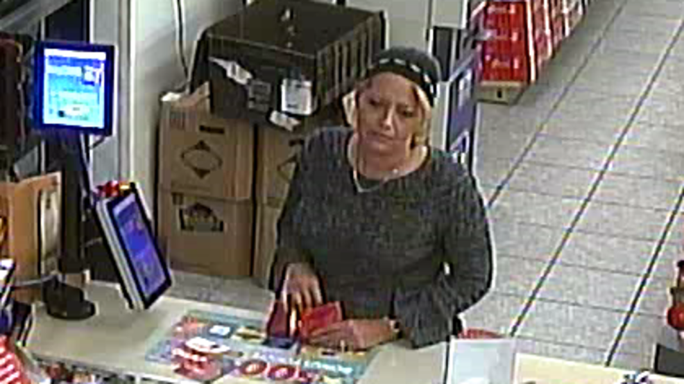 f60189a78a8 Woman accused of going on spending spree with stolen credit card